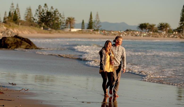 Town Beach Couple By Lindsay Moller Productions